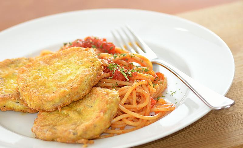 Piccata Milanese mit Tomatenspaghetti | Kochen nach Bildern